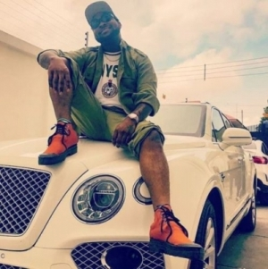 Crowd Goes Wild As Davido Arrives At NYSC Camp (Watch)